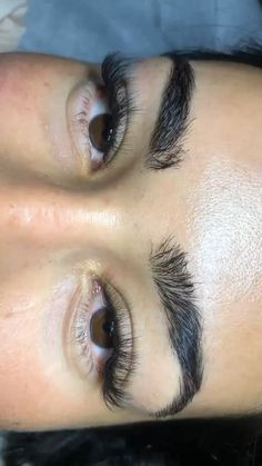 I Love how these lashes are Not too much! Natural Fake Eyelashes, Perfect Eyelashes, Best Lashes, Natural Brows, Best Eyebrow Makeup, Permanent Makeup Eyebrows, Best Eyebrow Products, Eye Makeup, Beauty Products