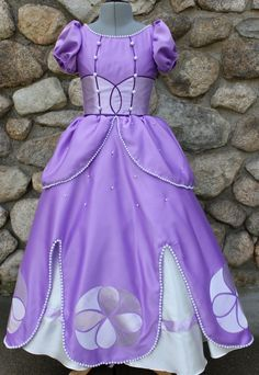 Items similar to Sofia the First - Purple and Pearl Dress (Size 10 - on Etsy Sofia The First Birthday Party, Sofia Party, Princess Birthday, Princess Party, Princess Sophia, Tinkerbell Party, Tangled Party, Sofia Costume, Monofin Mermaid Tail