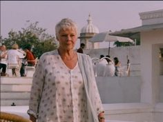 Judy Dench Love her style
