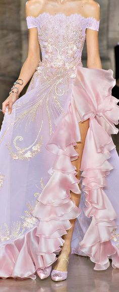 Georges Hobeika Spring-Summer 2018 – Haute couture – Best Of Likes Share Georges Hobeika, Couture Fashion, Runway Fashion, Fashion Show, Fashion Design, Punk Fashion, Lolita Fashion, Fashion Trends, Beautiful Gowns
