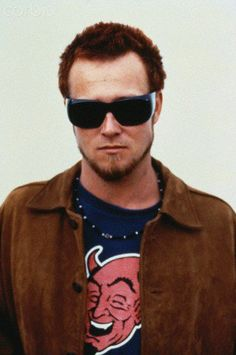 Scott Weiland in the early years.  This is when I really loved their music..