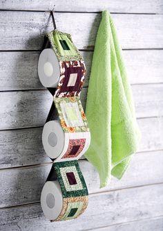 Ompele mökin huussiin kankainen WC-paperiteline. Katso Meidän Mökin ohje ja tee värikäs teline jämäkankaista!