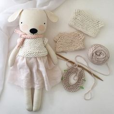 Sewing Stuffed Animals Knitting the softest winter whites. Fabric Toys, Fabric Crafts, Sewing Crafts, Sewing Stuffed Animals, Stuffed Animal Patterns, Muñeca Diy, Cat Doll, Sewing Projects For Kids, Sewing Dolls