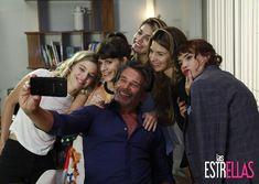 Sale selfie familiar #LasEstrellas