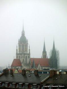 Foggy Munich via @bavariansojourn #bavariansojourn #munich