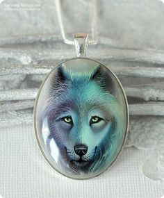 Кулон с росписью «Дух севера» (белый волк, лаковая миниатюра, серебро) - роспись