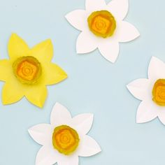Recycle Crafts for Kids - Mr Printables - Egg Carton Daffodils