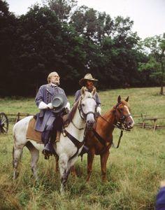 Still of Tom Berenger and Martin Sheen in Gettysburg (1993)
