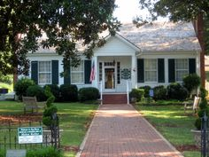 Ivy Green, The Birthplace of Helen Keller - Tuscumbia, Alabama