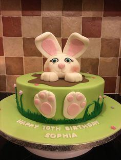Bunny cake Bunny, Birthday Cake, Pasta, Cakes, Baking, Desserts, Rabbit, Bread Making, Birthday Cakes