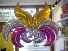 Image result for taper balloon flowers Prom Balloons, Hanging Balloons, Wedding Balloons, Foil Balloons, Birthday Balloons, Balloon Flowers, Red Balloon, Balloon Wall, Balloon Arch