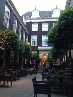 The Dylan en Amsterdam, Noord-Holland Small Boutique Hotels, Cozy Room, London Travel, Bed And Breakfast, Holland, Amsterdam, Around The Worlds, Mansions, House Styles