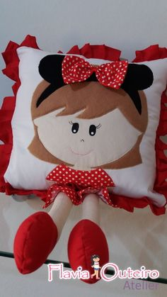 Almofada de perninhas menina Minie
