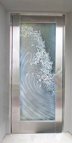 Etched glass door ideas 15 new ideas Etched Glass Door, Glass Front Door, Glass Etching, Glass Doors, Fused Glass, Front Door Design, Gate Design, Craftsman Front Doors, Sandblasted Glass