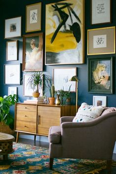 Journelles_Wohnstories_August_LAppartement_Living_Gallery_Wall_2