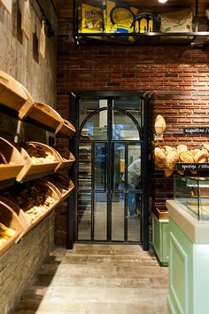 Best and Fresh Bakery Interior Design Ideas. Design for a good and eye-catchy bakery can attract visitors to visit and buy the bread you sell. In addition to being able to attract them, the de. Bakery Shop Interior, Bakery Shop Design, Cafe Interior, Shop Interior Design, Cafe Design, Store Design, Design Design, Bakery Store, Bakery Cafe