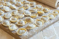 A step-by-step pelmeni recipe with photos. Everything you need to know about Russian pelmeni: origins, facts, and the science behind making them. Lithuanian Recipes, Russian Recipes, Russian Pelmeni Recipe, Panda Express Recipes, Dinner Club, Cracked Egg, Iron Chef, Ground Meat, Food Cravings