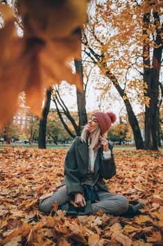 Things to see and do in Helsinki - Elvis V.kresle Things to see and do in Helsinki – Styled Avenue B Autumn Photography, Girl Photography Poses, Creative Photography, Travel Photography, Poses Photo, Picture Poses, Shotting Photo, Foto Top