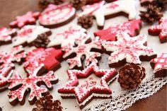 Galletas navidad blanco y rojo Ponle un toque de color a tu #Navidad www.facebook.com/malibuespana Ron de coco Malibu