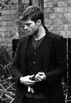 For more details on Jamie's new movie, check our site http://jamie-dornan.org #Anthropoid