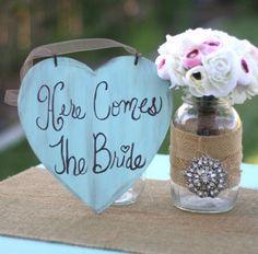 Here Comes The Bride Sign Shabby Chic Wedding von braggingbags