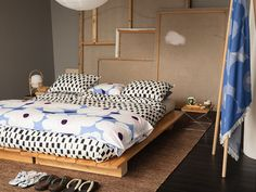 Marimekko products for home decor Couch Furniture, French Furniture, Furniture Decor, Furniture Removal, Furniture Stores, Beige Bed Linen, Winter House, Fall Winter, Luxury Bedding Sets