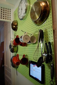 DIY Kitchen Peg Board