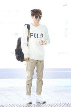 Suho [HQ] 190402 Incheon Airport, departing for Paris Incheon, Kim Joon Myeon, Boy Fashion, Mens Fashion, Airport Style, Airport Fashion, Kim Min Seok, Suho Exo, Paris
