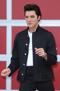 Let the King be your wax figure. Madame Tussauds Hollywood unveils the first-ever Elvis Presley wax figure on Oct. 17, 2013  :)JM
