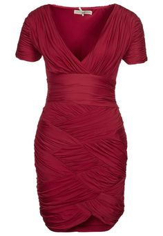 Love this dress.. Why does it have to be soooo expensive :( http://www.zalando.no/halston-heritage-jerseykjole-rod-h1121c00m-302.html