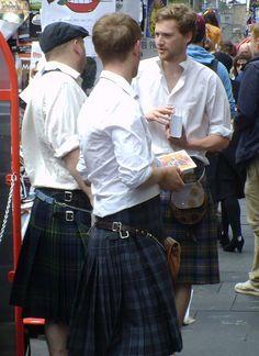 Edinburgh...men in kilts <3