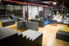 monkey vault, bars, stairs, boxes, walls