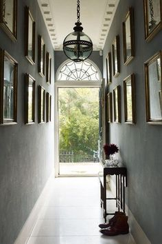 The owner of this London house wanted it to be restored to its original style, which interior designer Max Rollitt achieved by retaining its idiosyncrasies, adding Soanean elements and carefully creating a 'patina of age'. Hallway Colour Schemes, Hallway Colours, Georgian Interiors, Georgian Homes, Decoration Hall, House Decorations, Victorian Hallway, White Hallway, Hallway Paint