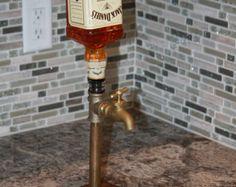 Dispensador de pared montado whisky por VintageDrinking en Etsy