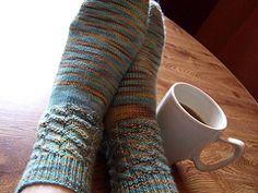 Diagnonal Fixation socks free pattern