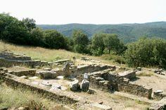 L'oppidum de Gaujac, sur la colline de Saint Vincent, intriguera tous les passionnés d'histoire antique Le Gard, Pont Du Gard, Saint, Vineyard, France, Outdoor, Outdoor Gardens, Camargue, Tourism