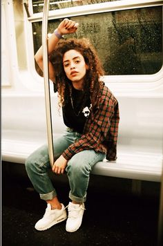 eethr: Self Film 2014 Tomboy Girl, Tomboy Look, Tomboy Style, Tomboy Fashion, Girl Fashion, Fashion Outfits, Beyonce, Lesbian Outfits, Floral Print Shirt