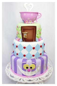 incredible Alice in Wonderland cake! | by Arte da Ka