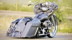 Best classic cars and more! Harley Road Glide, Harley Davidson Street Glide, Harley Davidson Motorcycles, Custom Motorcycles, Harley Bagger, Bagger Motorcycle, Harley Bikes, Custom Baggers, Custom Harleys