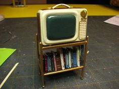 Continuing on my theme of mid-century furnishings I am making the portable T. I actually had when I was first married. Cut a st. Dollhouse Miniature Tutorials, Miniature Dollhouse Furniture, Miniature Houses, Diy Dollhouse, Dollhouse Miniatures, Haunted Dollhouse, Minis, Portable Tv, Victorian Dolls