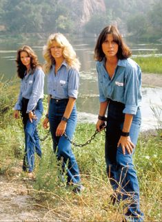 jaclyn smith, farrah fawcett, & kate jackson Charlie's Angels