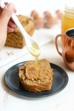 Gluten-Free Peanut Flour Banana Bread Just putted approximately the honey and some maple syrup but no other sweeteners. Pb2 Recipes, Quick Bread Recipes, Peanut Butter Recipes, Smoothie Recipes, Healthy Recipes, Flours Banana Bread, Healthy Banana Bread, Healthy Muffins, Baking