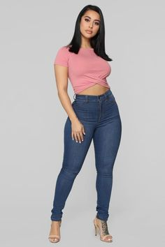 Holly Twist Front Tee Rose The post Holly Twist Front Tee Rose appeared first on Jean. Girl Outfits, Cute Outfits, Fashion Outfits, Womens Fashion, Sexy Jeans, Skinny Jeans, Rose Jeans, Curvy Girl Fashion, Girls Jeans