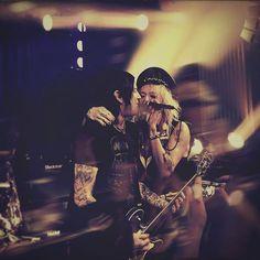 and then I was like 😍 #michaelmonroe #richjones #casinohelsinki #eargasm #ohlord #happykaisa
