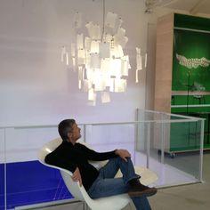 Zettel'z pendant in the Ingo Maurer showroom in Munich. Interior Lighting, Home Lighting, Pendant Lighting, Design Your Home, Make Design, Funky Lamps, Ingo Maurer, Commercial Interiors, Contemporary