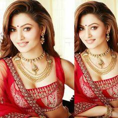 #UrvashiRautela #beautiful #beauty #bolly_actresses #bollyactresses #bollywoodactress #bollywood #actress #movie #celeb #fashion #style #HappyDiwali #Diwali