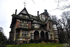 Abandoned castle of Notthebom ***If i had my way, i;d be investigating every night, because it would be MINE!!