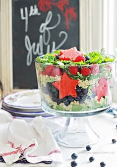 Yummy Mummy Kitchen: Patriotic Salad and More Red, White, and Blue Recipes for of July 4th July Food, Fourth Of July, Summer Salad Recipes, Summer Salads, Vegetarian Taco Salad, Vegetarian Recipes, Jai Faim, Good Food, Yummy Food