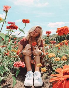 VSCO - emchrisienn relatablemoods Source by goals verano Cute Instagram Pictures, Cute Poses For Pictures, Insta Pictures, Instagram Pose, Picture Poses, Ideas For Instagram Photos, Creative Instagram Photo Ideas, Instagram Feed, Girl Photography Poses