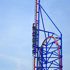 Freeze Reverse Blast roller coaster, SixFlags -op Very cool! Roller Coaster Park, Crazy Roller Coaster, Places Ive Been, Places To Go, Cedar Point, Six Flags, Water Slides, Time Travel, Coasters